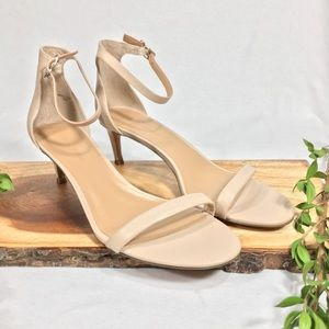 Banana Republic Bare Kitten Sandals